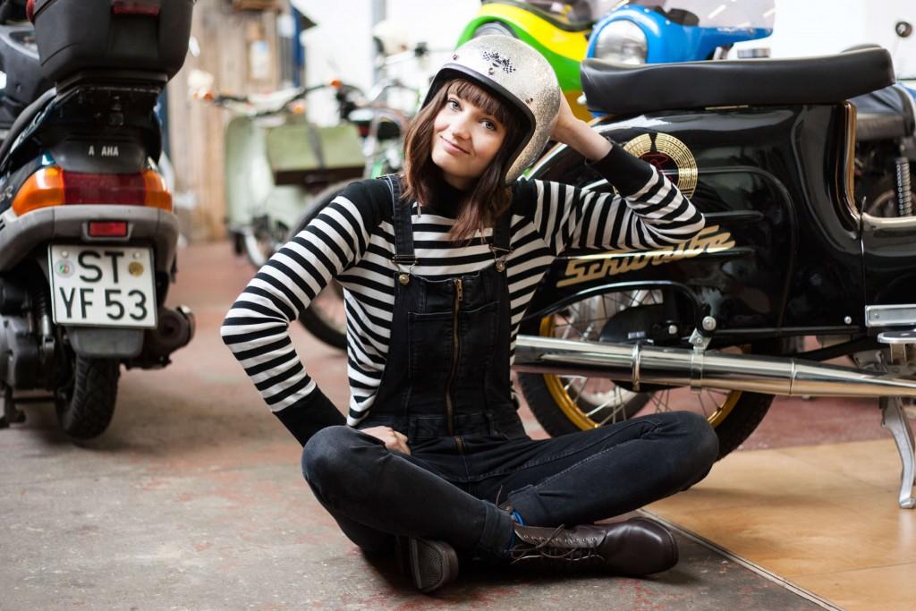 Helena und die Mopeds